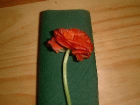 déposer ensuite une fleur dessus