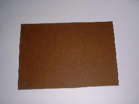 découper un autre rectangle de 13cm sur 17cm dans un papier canson marron