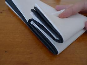 pliage de serviette en étoile bicolore - étape 4